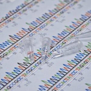 Nuovi dati sulle signature genomiche nelle donne premenopausali con tumore mammario operato: è ancora una questione di interpretazione?